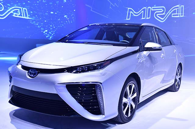 Toyota MIRAI Named 2016