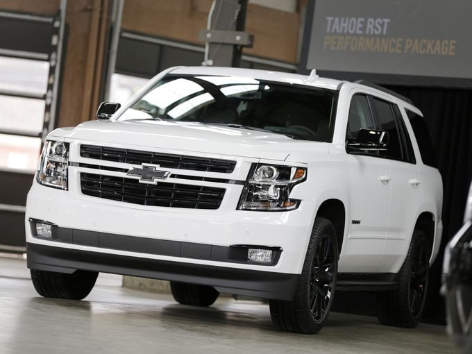 2018 Chevrolet Tahoe RST is A Muscled-Up SUV ...